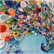 Готовая вышитая картина Красочный шлейф 15*15см АбрисАрт