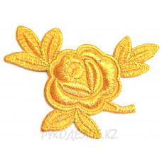 Термоаппликация Роза 7,8*5см