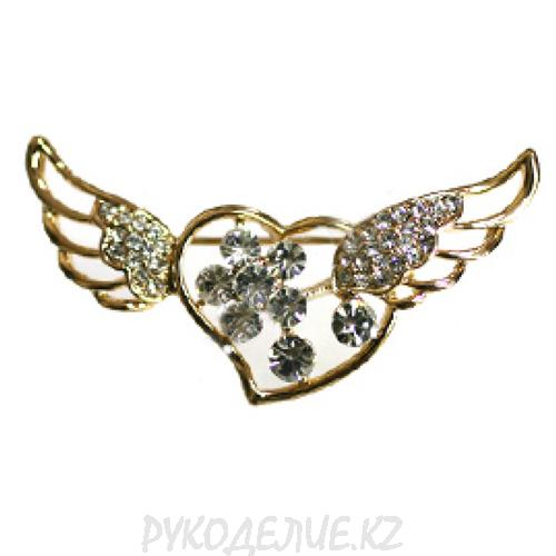 Брошь сердце с крыльями