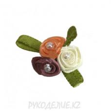 Цветок пришивной 3 розы с бусинами d-17мм