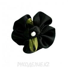 Цветок пришивной атласн с лент+жемч (черн)
