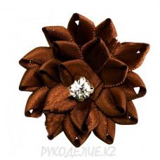 Цветок пришивной атлас со стразами d-50мм
